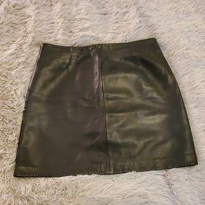 Beautiful black soft leather Siena Studio skirt